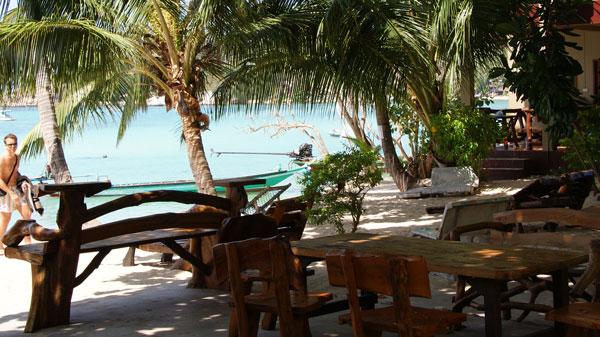 Das Kae Big Fish Resort liegt im Örtchen Chalok Baan Kao, direkt an der Chalok Baan Kao Bay. Restaurants und Einkaufsmöglichkeiten hat man durch die zentrale Lage fast […]