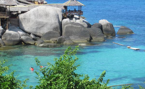 Wir starten unsere 5 Wochen Thailand Urlaub auf Koh Tao. Auf Koh Tao haben wir uns für das Charm Churee Villa & Spa in der Jansom Bay entschieden […]