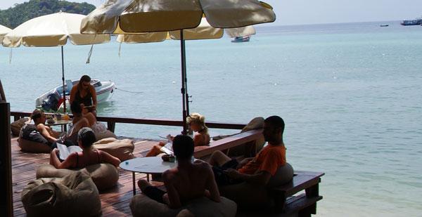 Das Buddha View Dive Resort liegt am Chalok Baan Kao, ein ruhiger Strand im Süden der Insel. Kleine Shops und ein 7Eleven sind in der näheren Umgebung. Möchte […]