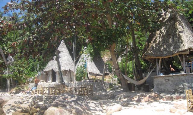 Die Moondance Bungalow liegen abgelegen am June Juea Beach. Die kleine von Felsen begrenzte Bucht ist ein absoluter Traum. Hier zu sitzen, bei einem Drink und den Sonnenuntergang genießen, einfach […]